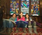 6th Grade students study Hebrew in Mansion